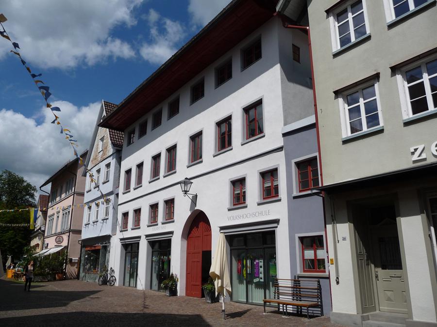 Das Gotische Haus von der Marktstraße aus betrachtet