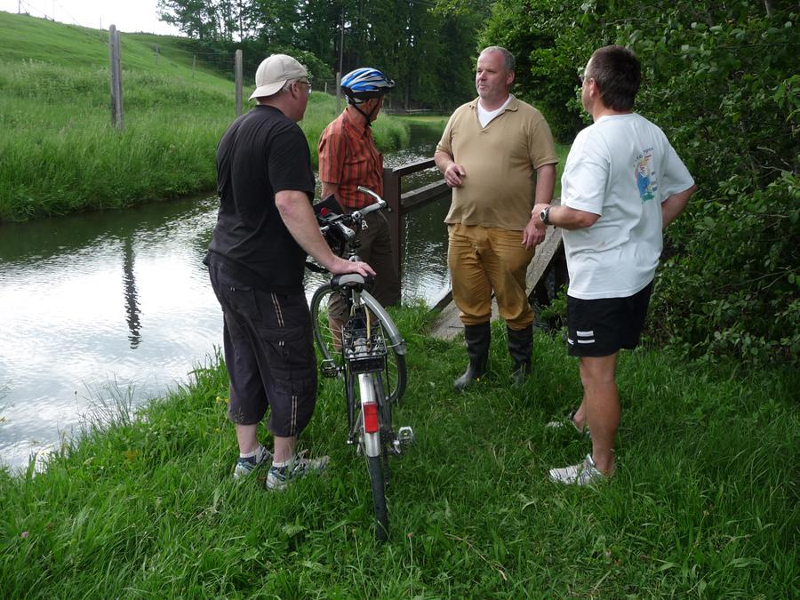 Mit Wasserkraftexperte Julian Aicher auf RegenerativRadelRoute