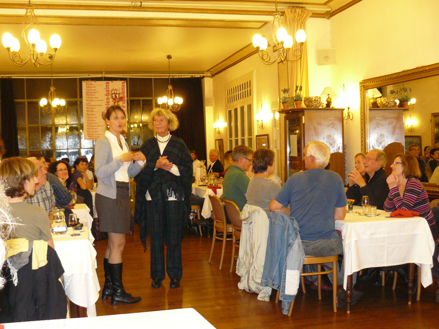 Freundschaften pflegen beim deutsch-französischen Essen