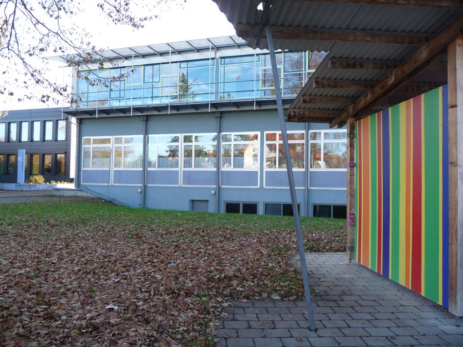 Schulgebäude am Ringweg mit der Don-Bosco Schulküche