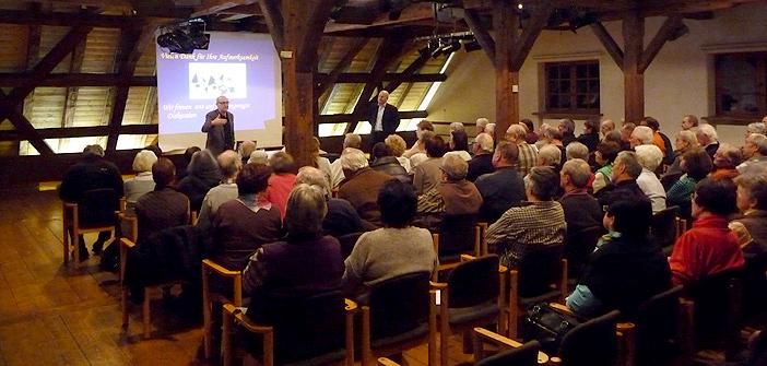 Information und Diskussion bei den Vorträgen der vhs