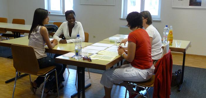 In den Deutsch Integrationskursen die deutsche Sprache lernen