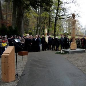 Odyssey - Die Leutkircher Figur am Kriegerdenkmal: Patenschaft mit den Schulen